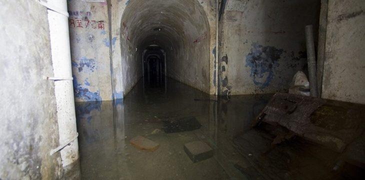 卷閘簾下的地底長城